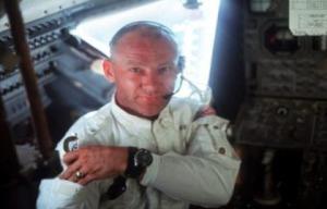 Aldrin-astronauta-ovni-apoloXI-pic